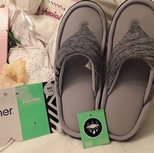 isotoner Shoes - NEW ISOTONER SMART DRI, MOISTURE WICKING SLIPPERS